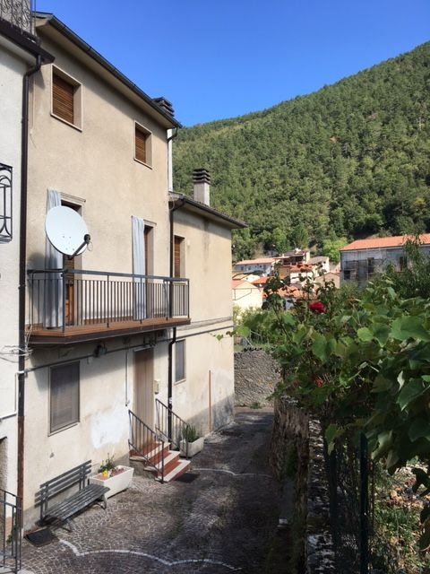 PROPERTY IN INTRODACQUA - ref.: INT-494
